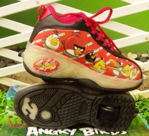 sepatu roda angry bird merah 300x273 Sepatu Roda Anak Karakter