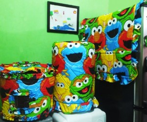 GKM Elmo 300x250 Tutup Galon, Kulkas dan Magic (GKM)