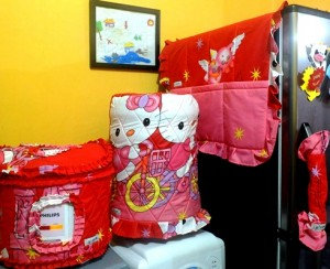 GKM HK Castle Merah  300x244 Tutup Galon, Kulkas dan Magic (GKM)