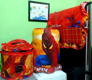 GKM Spiderman Orange 300x263 Tutup Galon, Kulkas dan Magic (GKM)