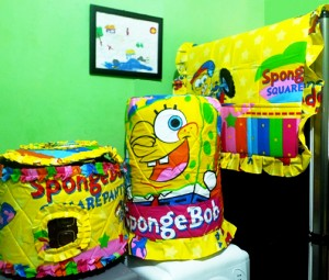 GKM Spongebob Rainbow 300x255 Tutup Galon, Kulkas dan Magic (GKM)