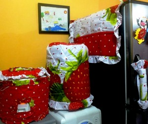 GKM Strawberry buah 300x251 Tutup Galon, Kulkas dan Magic (GKM)