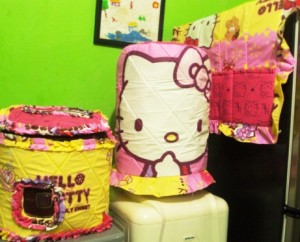 GKM Sweet kitty 300x242 Tutup Galon, Kulkas dan Magic (GKM)