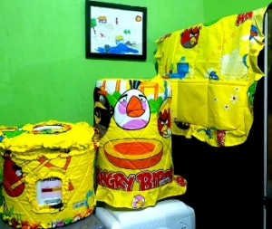 GKM angry bird game kuning rz 300x253 Tutup Galon, Kulkas dan Magic (GKM)