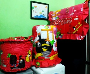 angry bird game pink resize 300x247 Tutup Galon, Kulkas dan Magic (GKM)