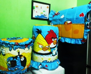angrybird biru resize 300x244 Tutup Galon, Kulkas dan Magic (GKM)