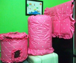 gkm dotie pink 300x247 Tutup Galon, Kulkas dan Magic (GKM)