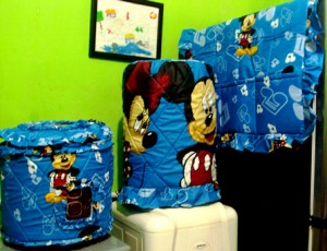 gkm mickey biru 300x230 Tutup Galon, Kulkas dan Magic (GKM)