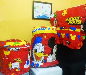 gkm mickey donald merah rz 300x262 Tutup Galon, Kulkas dan Magic (GKM)