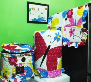 gkm papilon pink 300x270 Tutup Galon, Kulkas dan Magic (GKM)