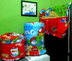 gkm smurf merah rz 300x253 Tutup Galon, Kulkas dan Magic (GKM)