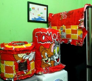 gkm tom n jerry web 300x264 Tutup Galon, Kulkas dan Magic (GKM)