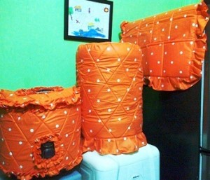 homset batik dotie orange 300x257 Tutup Galon, Kulkas dan Magic (GKM)