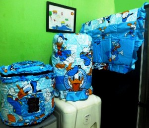 tutup Galon kulkas donald duck 300x257 Tutup Galon, Kulkas dan Magic (GKM)
