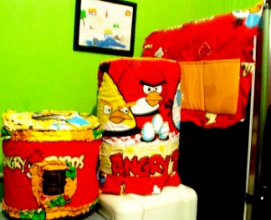 tutup galon kulkas GKM Angry bird Menara 300x243 Tutup Galon, Kulkas dan Magic (GKM)