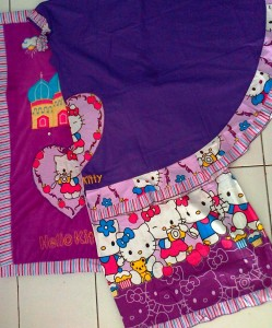 mukena hello kitty full colour ungu