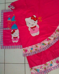 mukena hk pink fanta sajadah keci 237x300 Mukena Anak Lucu