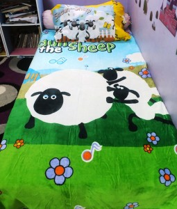Selimut handuk shaun the sheep