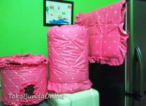tutup galon kulkas magic (GKM) Cover dotie pink