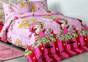 sprei karakter strawberry shortcake