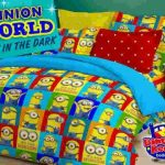 sprei minion world glow i thw dark