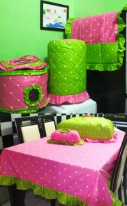 dotie pink mix hijau 185x300 Home Set Lucu