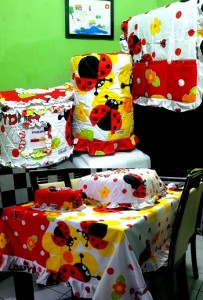 homeset bugs 203x300 Home Set Lucu