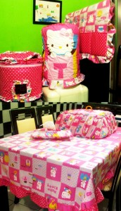 homeset hello kitty  box pink