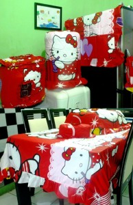 homeset hello kitty angel merah