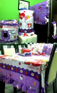 homeset hello kitty  strawberry ungu