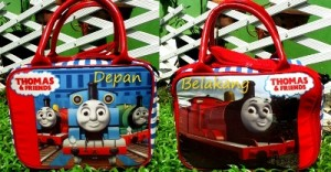 travel mini thomas 2 300x156 Travel Bag Tenteng Selempang Mini