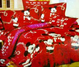 Bed Cover dan Seprei Mickey Wonderland Merah