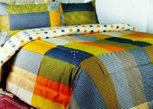 seprei dan bedcover yellow square