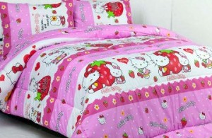 sprei dan bedcover hello kitty strawberry pink