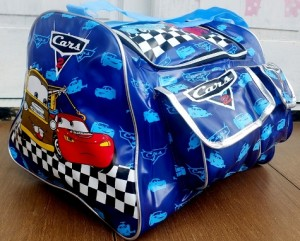 tas travel renang cars biru rz 300x241 Tas Travel Transparan