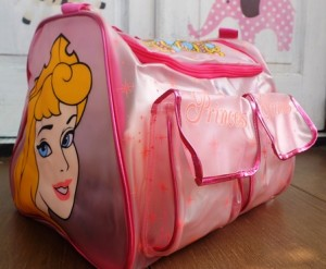 tas travel renang princess ra 300x247 Tas Travel Transparan