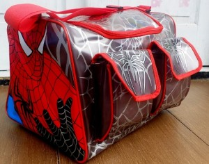 tas travel renang spiderman rz 300x236 Tas Travel Transparan