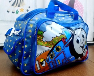 tas travel transparan thomas rz 300x244 Tas Travel Transparan
