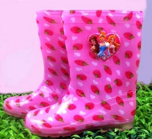 sepatu boot Princess strawberry