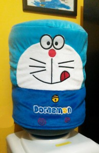 Galon boneka doraemon