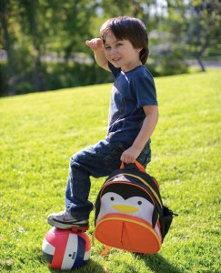 tas skiphop pinguin dengan model 243x300 Detail Tas Skiphop Backpack Pinguin