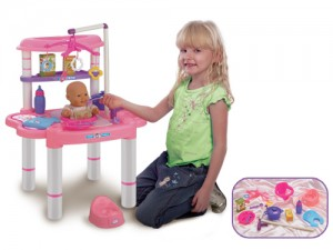 meal time set with doll