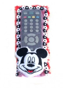 tutup remote mickey mouse